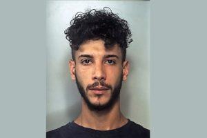 Misterbianco, dosi di marijuana nascosta negli slip e in camera da letto: pusher 22enne in manette