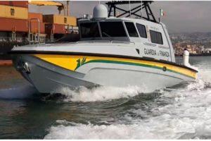 Catania, nuova vedetta costiera alla sezione navale della GdF: oggi la visita del Prefetto