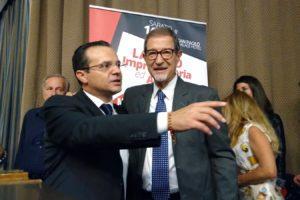 """'Scateno' De Luca accusa Musumeci di imitarlo: """"E' inutile che continua a dire minchiate"""""""