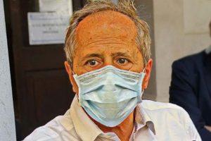 """Coronavirus, Crisanti: """"No a fai-da-te per misurare la febbre. Sopra i 37 gradi ragazzi a casa"""""""