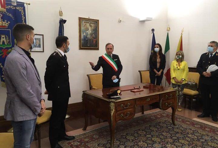 """Paternò, il Capitano Cipolletta in visita istituzionale al Comune. Naso: """"Arma sia un tutt'uno con governo della città"""""""