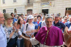 """Adrano, messaggio ai giovani del Vescovo Schillaci: """"Mai chiusure e paure. Comunichiamo agli altri la gioia"""""""