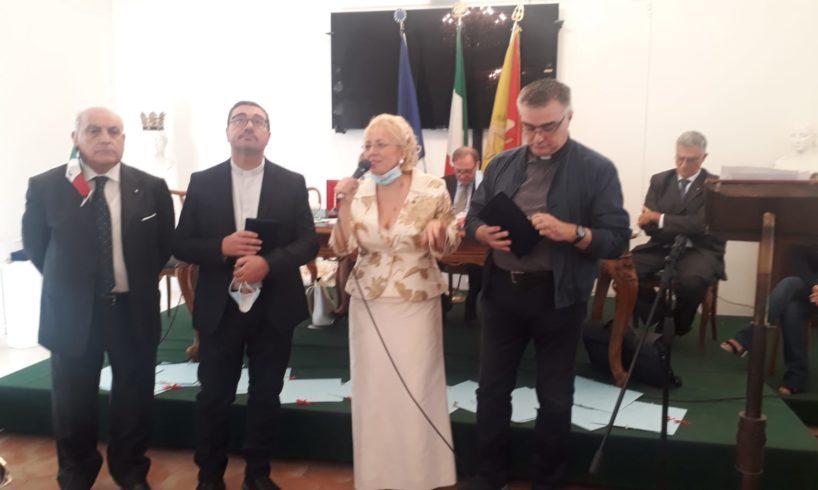 Paternò, al 'Pennino d'oro' tanti premiati: in biblioteca la prima edizione