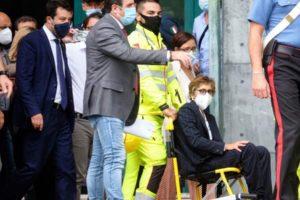 """Catania: in aula Tribunale lastra di marmo cade su Giulia Bongiorno, legale di Salvini. Il leader della Lega: """"Bonafede dica se è normale"""""""