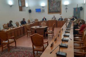 Paternò, movida e sicurezza: tanti assenti al tavolo tecnico convocato dal presidente del Consiglio
