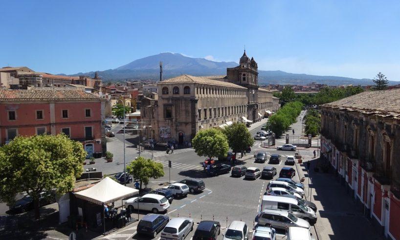 Ad Adrano 39 positivi, 10 in ospedale: 72 a Caltagirone, 43 a Gravina di Catania. Vertice forze dell'ordine a Belpasso