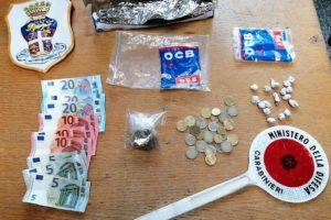 Palagonia, nasconde dentro l'auto 18 dosi di marijuana: 19enne arrestato
