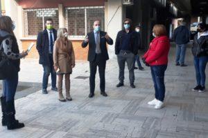 Paternò, scuole chiuse/aperte: mamme manifestano in municipio. I legali del ricorso al TAR annunciano querele
