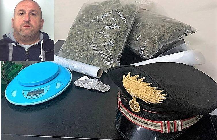 Trecastagni, spacciava droga in casa protetto da 'bodyguard': 51enne arrestato, 31enne denunciato