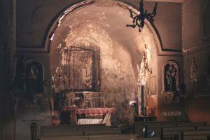 Catania, incendio nella Chiesa di S. Maria del Rosario: distrutti paramenti e immagini sacre