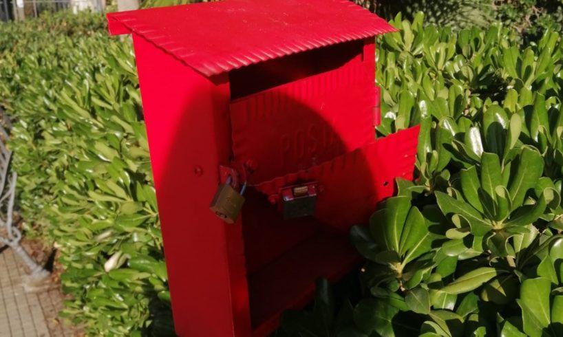 Belpasso, vandalizzata la cassetta della posta contro la violenza alle donne: la denuncia del padre di una vittima