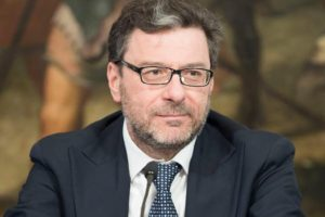 """Lega, così parlo Giorgetti: """"Governo incapace e il premier cadrà presto"""""""