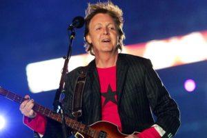"""Covid, la 'benedetta' mascherina di Paul McCartney: """"Vado dovunque e nessuno mi riconosce"""""""