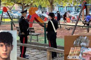 Catania, spacciano droga davanti ai bambini nel parco giochi di zona 'Vulcania': 3 arrestati, due sono minori