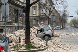 Croazia, dopo il terremoto si scava tra le macerie di Petrinja: le immagini della violenta scossa (VIDEO)