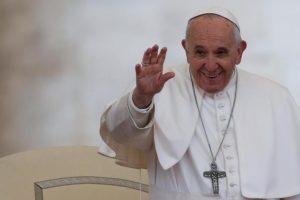 """Papa Francesco: """"Serve il vaccino per il cuore. Sarà buon anno se avremo cura degli altri"""""""