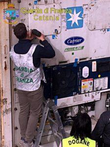 Catania, al Porto di Catania GdF sequestra 7 kg di cocaina dall'Ecuador: il valore è di 1 mln (VIDEO)