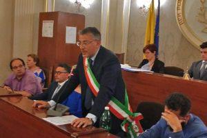 Belpasso, 'accordi violati' per la presidenza del Consiglio: traballa la maggioranza del sindaco