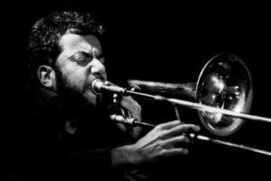 Jazz, Cattano e Scardino omaggiano Piero Ciampi: concerto dalla finestra della casa natale di Livorno