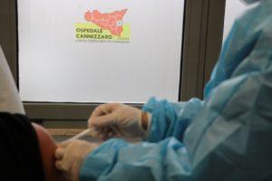 Catania, al 'Cannizzaro' al via il richiamo del vaccino per medici e infermieri: prima dose il 28 dicembre scorso