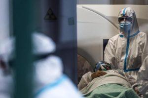 Paternò, muore di covid la mamma 70enne di Seby Bellia: il medico è scomparso una settimana fa a causa del virus
