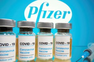 Vaccino, da lunedì Pfizer consegna dosi secondo i piani: a febbraio si recupera l'arretrato