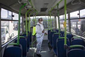 Catania, donna positiva al covid prende l'autobus per tornare a casa: i passeggeri lo apprendono da una sua telefonata
