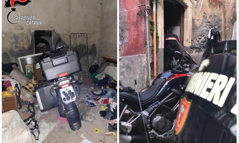 Catania, in via Petriera deposito di moto rubate: ospitava una Bmw rubata poche ore prima