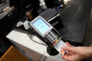 Cashback che passione: a Cuneo automobilista fa 62 operazioni bancomat in poco meno di un'ora: importo complessivo 6 euro e 51 centesimi