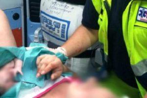 Adrano, mamma polacca partorisce in ambulanza: in emergenza il personale del 118 ha fatto nascere Ettore nei pressi di 'Eurelios'