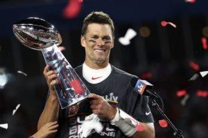 Super Bowl, a 43 anni Tom Brady entra nella leggenda: è il più vincente di sempre