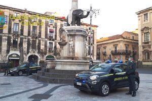 Catania, 20enne positivo al covid va in giro con lo scooter (e senza casco): denunciato