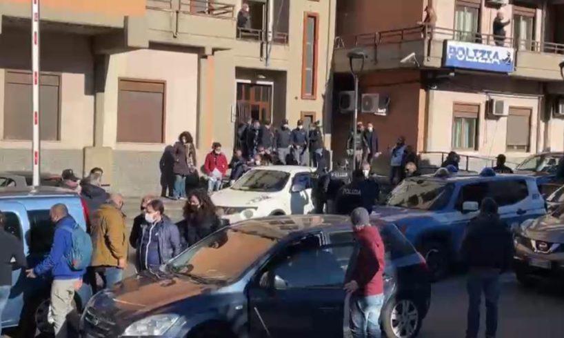 """""""Adrano libera', ricostruiti gli affari di droga del clan Santangelo: indagini dopo i manifesti a lutto del pentito"""
