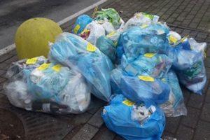 """Bronte: """"Non conferire la carta nei sacchetti di plastica"""". L'ultima battaglia sui rifiuti differenziati"""