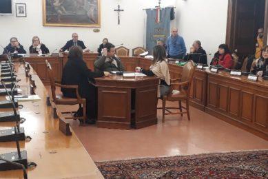 Paternò, al Comune 'sprofondo rosso' di 26 milioni nel Consuntivo: Sambataro stoppa la commissione