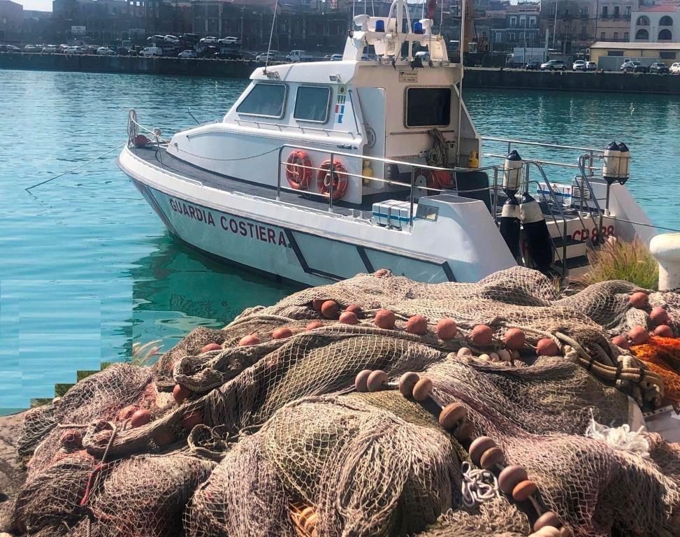 Catania, operazione della Guardia Costiera contro la pesca ...