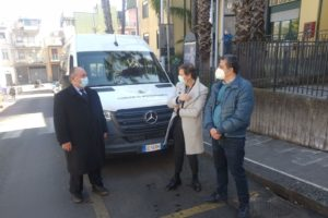 Misterbianco, nuovo bus consegnato al Comune: farà da navetta tra centro storico e stazione metro Monte Po