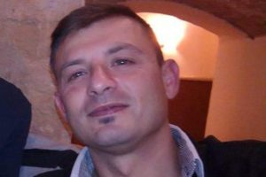 """AstraZeneca, militare morto: l'autopsia è durata 3 ore. Il pm: """"Faremo tutti gli accertamenti"""""""