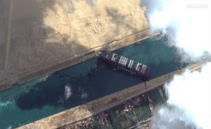 Suez. La nave di traverso è un segnale come il Covid: non tutto è disponibile per sempre