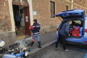 Catania, Polizia dona alimenti per il pranzo di Pasqua all'istituto delle suore di Madre Teresa di Calcutta