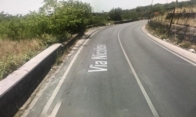 """Belpasso, consigliere pentastellato denuncia strada pericolosa: """"In via Nicolosi incidenti mortali"""""""